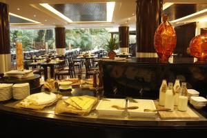 Radisson Blu Resort, Sharjah, Resorts  Schardscha - big - 73