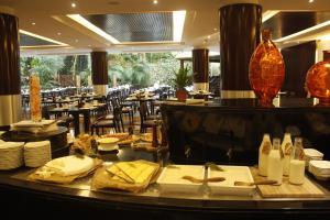 Radisson Blu Resort, Sharjah, Resort  Sharjah - big - 77