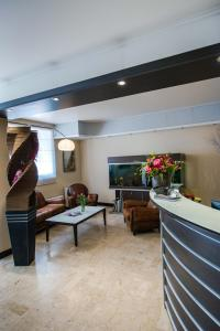 Hôtel Comté de Nice, Hotely  Beaulieu-sur-Mer - big - 40