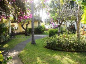 Bali Lovina Beach Cottages, Hotel  Lovina - big - 68