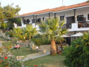 Villa Madeleine, Apartments  Nea Fokea - big - 22