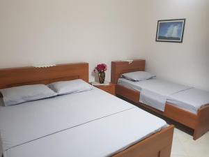 Ilir Guest House 1 - Kutali