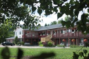 Motel Le Radisson de Val-David - Accommodation