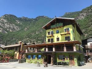 Accommodation in Arnad