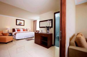 Dermaga Keluarga Hotel - Ngabean