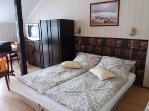 Kaiser Apartman, Ferienwohnungen  Hévíz - big - 56