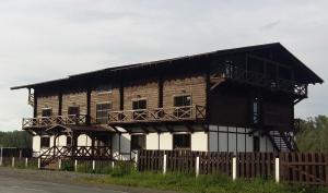 Гостевой дом Хижина, Ая