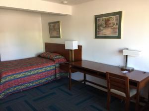 Knights Inn Grand Junction, Motels  Grand Junction - big - 1