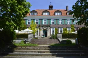Bio- und Gesundheitshotel Gutshaus Stellshagen - Dorf Gutow