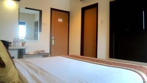 Hotel Jolin, Hotel  Makassar - big - 17