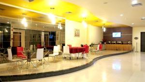 Hotel Jolin, Hotel  Makassar - big - 20