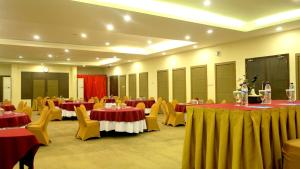 Hotel Jolin, Hotel  Makassar - big - 14