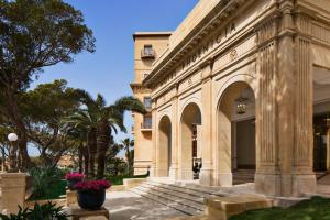 Phoenicia Hotel (2 of 38)