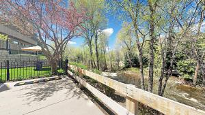 916 E Hopkins Ave Condo #201 - Apartment - Aspen