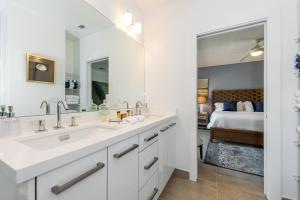 1383 North Ocean Boulevard Townhouse, Holiday homes  Pompano Beach - big - 16