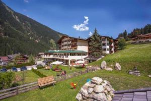 Alpenwellnesshotel Gasteigerhof - Hotel - Neustift im Stubaital