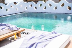 Portes Suites & Villas Mykonos, Aparthotely  Glastros - big - 62