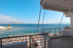 Sea View Apartments Spiro