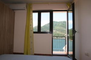 Holiday Home Ametist 3, Holiday homes  Tivat - big - 1