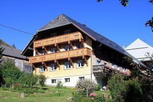 Alter-Kaiserhof-Fewo-1-Stock - Hof