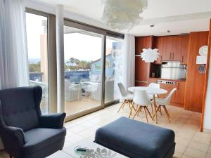 Sea View Reformed AND Modernised 2 Bedroom Apartment, Urbanizacion Esquinzo