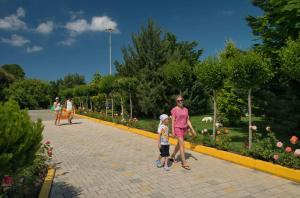 Zolotaya Buhta Hotel, Resorts  Anapa - big - 74