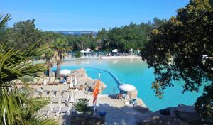 T2 Les Restanques de St Tropez, Апартаменты  Гримо - big - 24