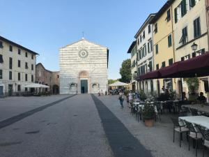 Le bifore di San Francesco - AbcAlberghi.com