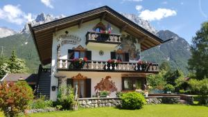 Ferienwohnung Johannesklause - Apartment - Mittenwald