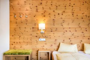 Hotel Garni Ernst Falch - Accommodation - St. Anton am Arlberg