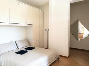 Farolfi Apartments Carracci - AbcAlberghi.com