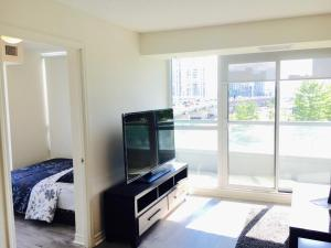 Executive 3 Bedroom Condo, Ferienwohnungen  Toronto - big - 15