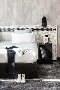 Location gîte, chambres d'hotes Hotel Les Bains Paris dans le département Paris 75