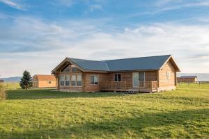 . Saddlehorn Cabin