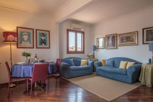 Apartment with balcony and view over the Duomo - AbcAlberghi.com