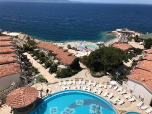 Sunny Bay Apartments