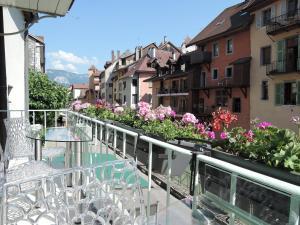 """obrázek - L'eau Vive """"Lofts and Lakes"""""""