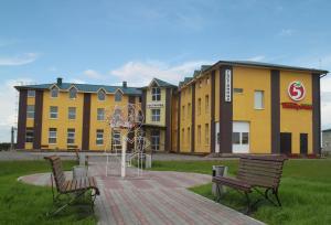 Гостиницы поселка Красные Баки