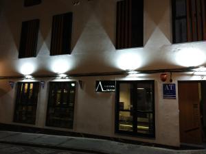 Apartamentos Córdoba Atrium, Apartmány  Córdoba - big - 49