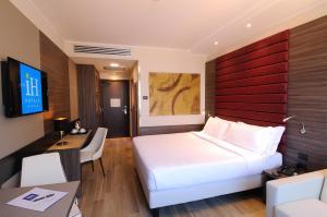 IH Hotels Milano Lorenteggio - AbcAlberghi.com
