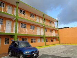 Tropical Manor Inn - Four Roads