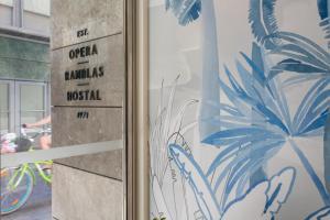 Hostal Operaramblas, Гостевые дома  Барселона - big - 47