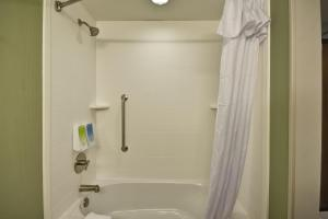 Home2 Suites By Hilton St. Simons Island, Hotels  St. Simons Island - big - 48