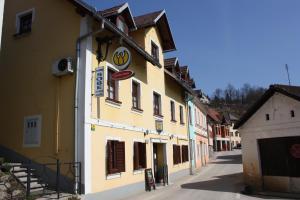 Račka - Pizza and Rooms