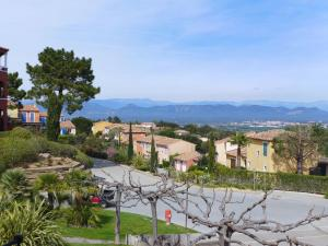 Apartment Golf de Roquebrune.1, Апартаменты  La Rouviere - big - 11