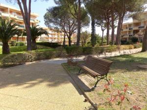 Apartment Côte d'Azur.4, Апартаменты  La Favière - big - 2