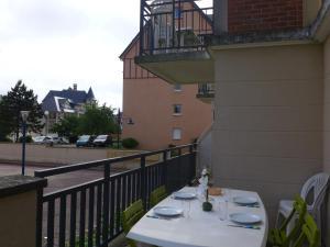 Apartment Port Guillaume.8, Apartmanok  Dives-sur-Mer - big - 15