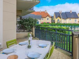 Apartment Port Guillaume.8, Apartmanok  Dives-sur-Mer - big - 18