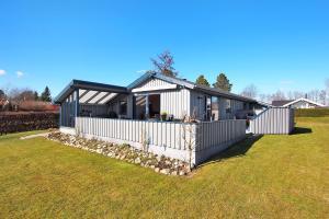 Juelsminde, Дома для отпуска  Sønderby - big - 18
