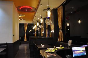 Subra Residency, Апарт-отели  Кумбаконам - big - 45